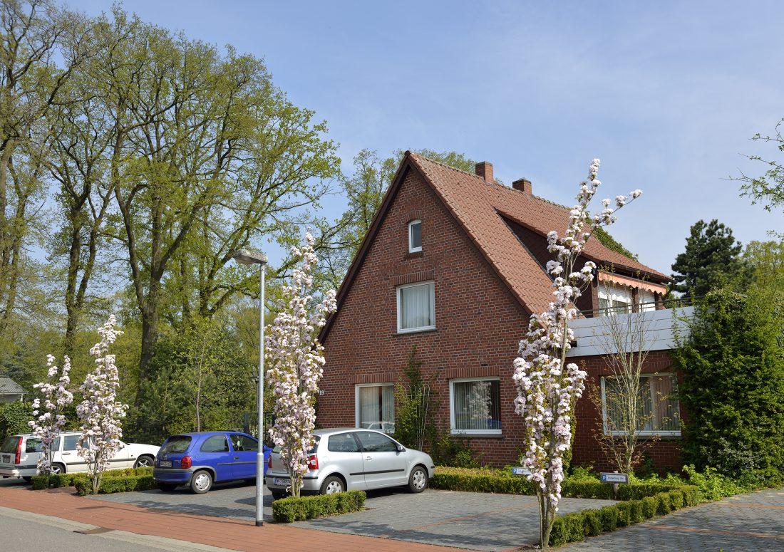 ferienhaus storchennest tierpark nordhorn. Black Bedroom Furniture Sets. Home Design Ideas
