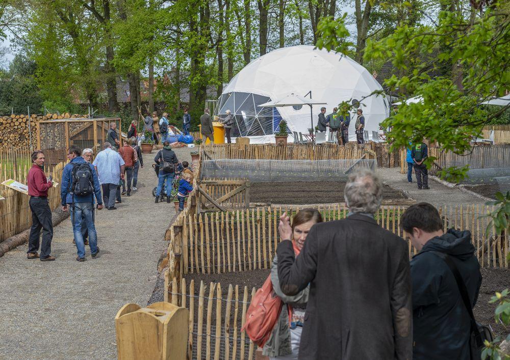 tierpark nordhorn weltgarten im tierpark nordhorn er ffnet. Black Bedroom Furniture Sets. Home Design Ideas